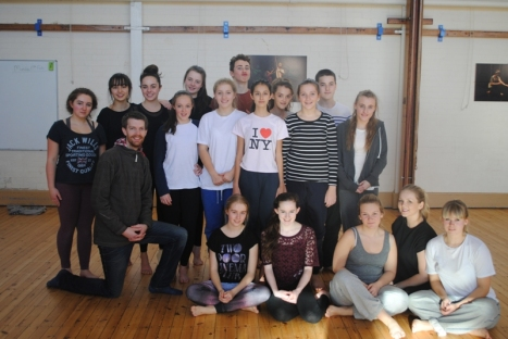 Students learn from Dance Theatre Company